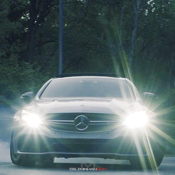 #ПаруКадров На самом деле #Mercedes тоже считаются машинами😉 Этот кузов #W205 очень крутой но это не #BMW  #C63#AMG @abubakr_m5 👤 #MB#Coupe @ymxaev 👤 Снимали у друзей на районе: @neizvestnii19 👤 @kamurzoev77 👤 Спасибо за гостеприимство и очень вкусный #Плов ☝🏻 (Music) Haroinfather-Forever
