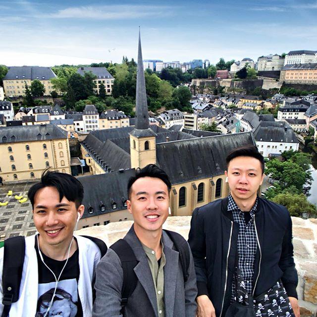 - Luxembourg 盧森堡🇱🇺 - 人均GDP世界第一的國家 人均所得有11萬多美金 將近台灣的五倍之譜 - 所有人非常禮貌又友善 環境乾淨整齊的誇張 隨處可見名車政商名流 人少錢多福利好的一個小國家 -  #luxembourg #盧森堡 #🇱🇺