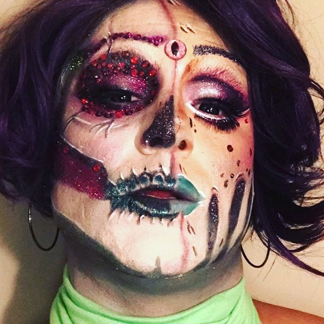 Clip of the video I was going to submit for the competition @enchanteddragrace ...but alas it didn't make the cut.  Enjoy!  #thriller #dragwitch #dragonqueen #qwerrrk #boysinmakeup #lookHTTQ #makeitfashion #makeupartist #facepainting #witch #nycnightlife #instadragqueen #mua #makeuptutorial #halloweenqueen #dianacarfire #glamazon #citylife #dragqueen #kryolan #gorgeous #dragrace #wyomingdragqueen #dragsuperstar #instadragqueen #dragperfection #dragqueensofinstagram #cosplay #dragqueensofvegas #enchanteddragrace
