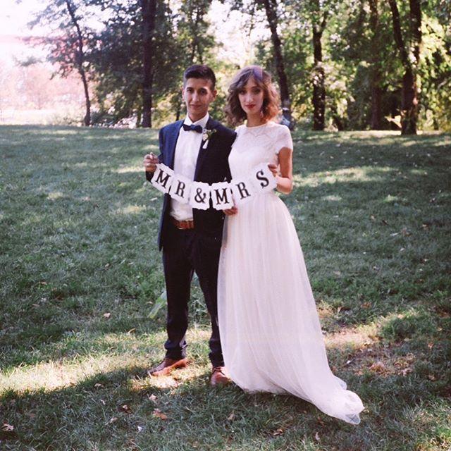 Дорогая, милая, любимая жена, поздравляю нас с кожаной свадьбой. У нас с тобой кожаная годовщина и я хочу пожелать нам с тобой таких же крепких, прочных отношений, как этот материал. Радость моя, желаю тебе не болеть и не грустить, желаю каждый день наполнять мир нашей семьи радостью, весельем, нежностью, заботой и своей улыбкой. И пусть у нас всё будет прекрасно — всегда, везде и во всём. #behakaharov #lovestory  #3годавместе