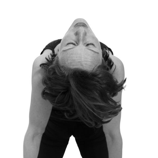 Yoga tut gut 🐪 🐍 🐟 Rückbeugen wie die Yoga-Übungen, das Kamel (Ustrasana), die Kobra (Bhujangasana) oder der Fisch (Matsjasana) machen wach, stärken den Rücken und geben einen nachhaltigen Energiekick. Lerne die Vielfalt des Yoga kennen. Ab Oktober finden neue Yogakurse für Anfänger in der Yogaschule Claudia Gehricke in Münster statt 🧘♂️ Sei dabei 🧘🏻♂️ ————————————————————————🐟 #yogastudio #yoga#yogateacher #yogalife #yogalove #yogaeveryday #münster #muenster #yogaübung#yogaforbeginners #yogaeveryday #yogainspiration #yogamünster #yogapostures#asana #yogalehrer #yogalehrerin #gesundleben #bewusstleben #achtsamkeit#gesundheit #hathayoga