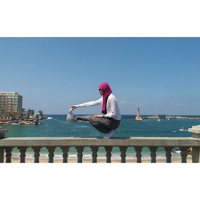 🌊🌞🧘🏻♀ . . . #yoga #flexibility #strength #balance #yogini #yogisofinstagram #Alexandria #sea #seaview #yogawithmarti #yogaposes #yogafit #yoginiegypt #yogafun #yogaaddict #igyoga #yogainspiration #hijabiyoga #hijabiyogini #yogajourney #yogaflow #yogapants #yogagirl #yogaeveryday #yogaeverywhere #aloyoga #alogirl #alo  @martina_sergi @yogawithmarti  @aloyoga