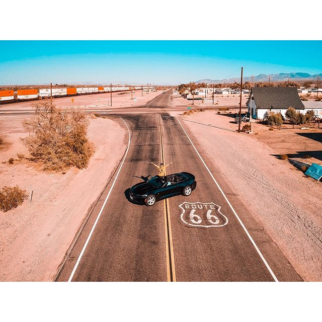 Sunset on Route66... Awesome!🌇🎶🔝 • • • #losangeles #love #california #la #road #instagood #photography #art #model #hollywood #music #photooftheday #style #fitness #beautiful #beauty #sunset #usa #picoftheday #follow #travel #desert #summer #motivation #car #repost #happy #makeup #instagram #route66