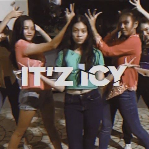 ice em❄️🔥 so we decided to join #TuneTalkgoesKrazy 's dance contest and we need your help🙈🙈would reallyy appreciate it if you guys could help us like this video on all of our accounts !! @kasihirisleona @nelysakay @rainaej @shaziasazli ♥️ hope u enjoy this vid thanks guysss🥰🥰 @tunetalk #aisy