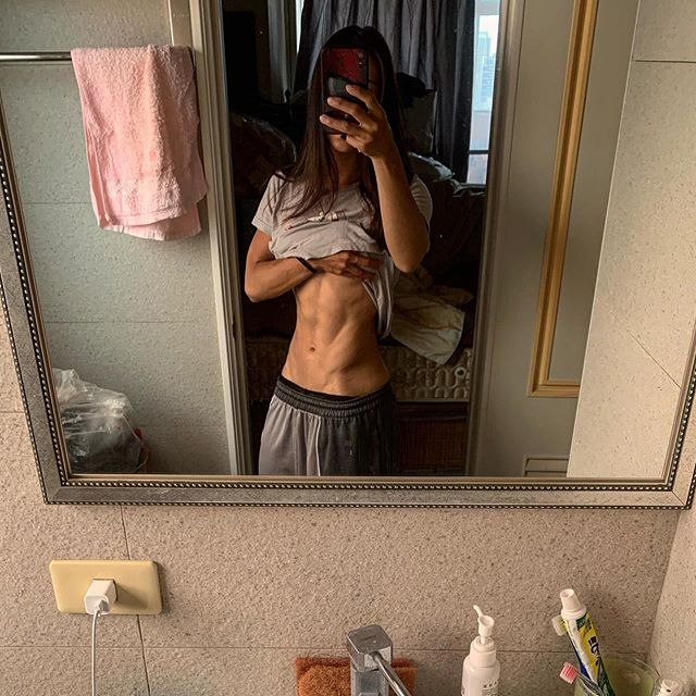 慢慢的 但是紮穩的增加淨肌肉量  人需要信仰 如同選手需要教練 80%自己要努力但沒有那20%的指引 終究還是到不了要去的地方 #媽媽的鏡子 #回高雄是減脂的好時機 #媽媽都吃超清淡的