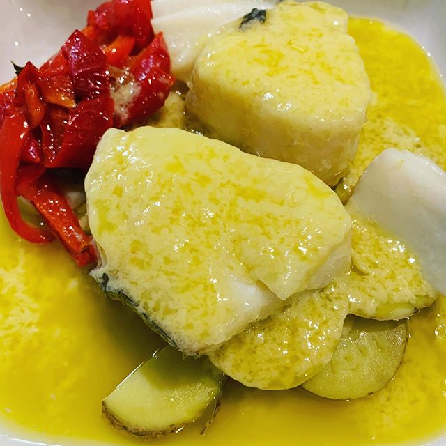 #bacalaoalpilpil #cuisine #delicious #instafood #spanishfood #cocinaespañola #gourmet #paisvasco #basquecountry #spain #altacocina #cocinatradicional #cocinaencasa #instadelicious #pilpil #foodporn