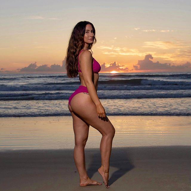 You don't fear change. You fear the unknown. If you knew the future would be great, you'd welcome the change to get there.  Well the future is great so let's keep it moving! . . . . . . . . . . . . . . . #npc #npcbikini #bikinicompetitor #bikinigirl #bikinilife #bikinibod #changeisgood #fit #fitfam #fitspo #fitness #fitchick #focused #bikinimodel #photoshoot #beachphotoshoot #sunrise #beach #lifeisbeautiful #beachbody #bootygainz #gains #humpday #bodytransformation #mentalgains #motivationalquotes #ootd #lifelessons #nevergiveup #motivation