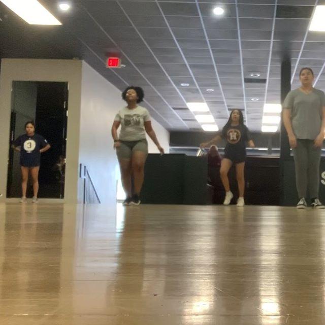 I'm Beasty I'm Beasty 😈😏 ⠀⠀⠀⠀⠀⠀⠀⠀⠀⠀⠀⠀ ⠀⠀⠀⠀⠀⠀⠀⠀⠀⠀⠀⠀ 🎼 @artisthbtl  Choreo: @taylorlovejordan Taylor's moves always makes me feel so cool ☺️ ⠀⠀⠀⠀⠀⠀⠀⠀⠀⠀⠀⠀ ⠀⠀⠀⠀⠀⠀⠀⠀⠀⠀⠀⠀ ⠀⠀⠀⠀⠀⠀⠀⠀⠀⠀⠀⠀ #sorealdancestudio #sorealdance #hiphopdance #aboogiewitdahoodie #cooldance #cooldancemoves