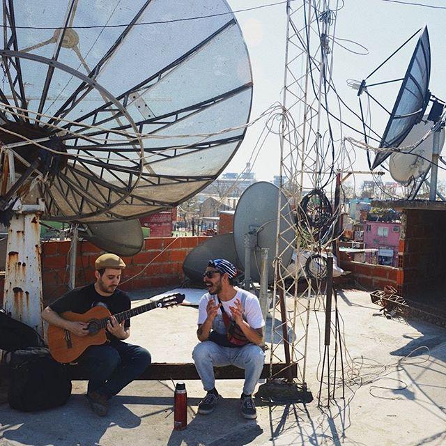 Somos tango, sentimos cumbia y nos sobra arrabal 👊🏻 - Gotan Tropic, sábados 13hs. . 📸: @elizabethcarretti ' . . . . . . . . . . #Gotan #gotantropic #urbanateve #likeforlike #likeforfollow #villa31 #tangoargentino #musicapopular #nacionalypopular #retiro
