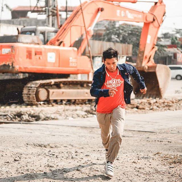 Run away.  _____ #samudera27 #PhotoOfTheDay