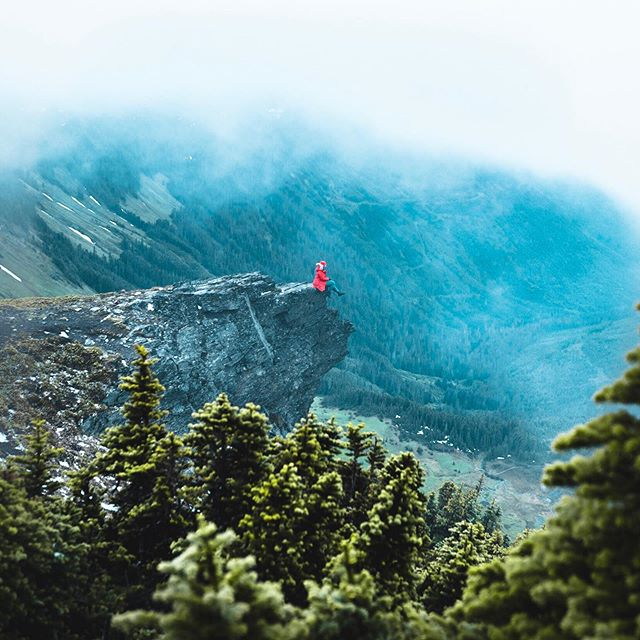 Life itself is the most wonderful fairytale. (Hans Christian Anderson) . . . . . . .  #wondermore #themountainsarecalling #allaboutadventures #madeincanada #stayandwander #wanderlust #likeamountaingirl #amongthewild #awakethesoul #wanderfolk #pnwphotographer #passionpassport #welltraveled #liveauthentic #mountaingirls #wildernessculture #folkscenery #theoutbound #outdoorwomen #hikevibes #getoutstayout #optoutside #moodyedits #adventureculture #wearethewild #keepitwild #ourcamplife #wildernessnation #visualambassadors #pnwonderland