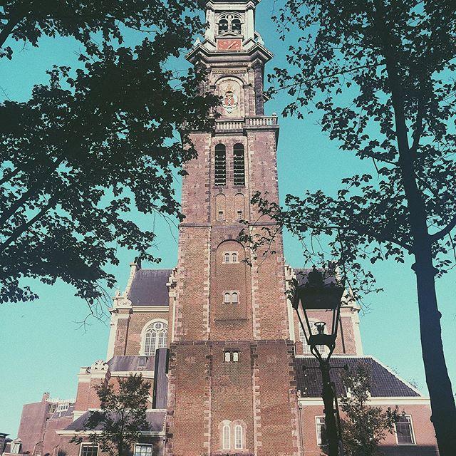 🏫#amsterdam#holiday#instatravel#instapic#potd#travel#netherlands#bluesky#goodweather#beautiful