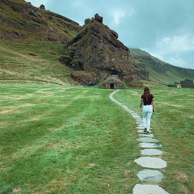 Walking back to Iceland like..🏔