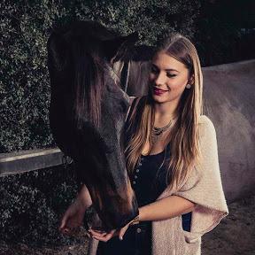 Dance With Him - Chaîne Equestre