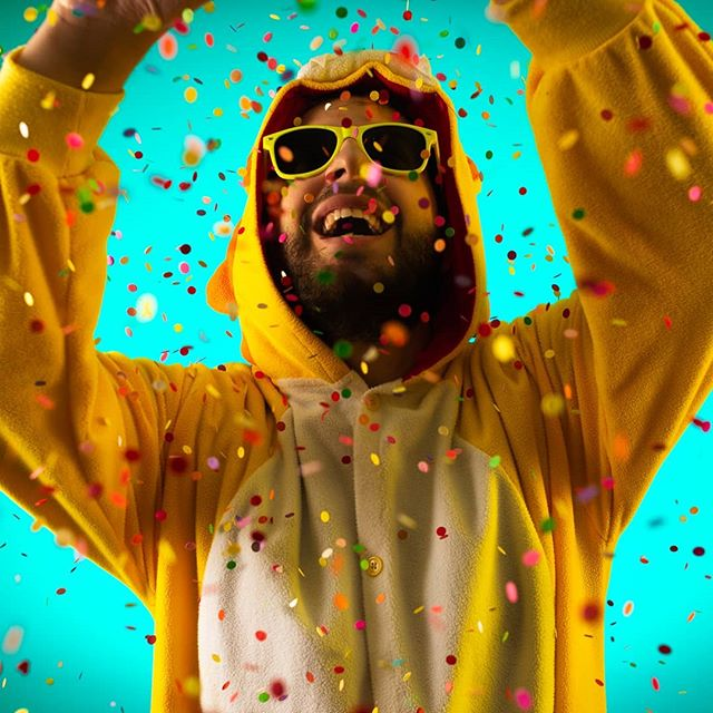 En attendant d'être sur Spotify et Deezer, vous pouvez désormais retrouver tous mes titres sur Soundcloud ! YOUPI 🎉 ➡ https://soundcloud.com/thinkpositivemusic  #TPM #ThinkPositiveMusic #kigurumi #clip #youtube #fun #positif #humour #drole #confetti #paillettes #youpi #soundcloud