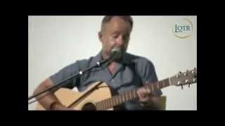 """Billy Boyd sings """"Perfect Time"""" at LOTR Day"""