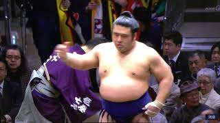 January 2019 - Day 8 - Myogiryu v Tochiozan
