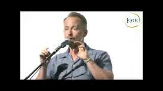 """Billy Boyd sings """"Edge of Night"""" at LOTR Day"""