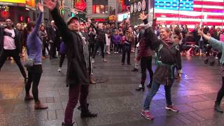 "Bruno Mars ""Marry You"" - Times Square NYC Flashmob Proposal - 3/26/15"