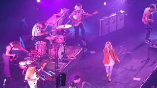 Paramore - Hard times (Live in Manila)