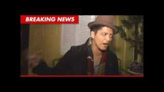 news reporter interviews bruno mars for his call out on lil wayne fight