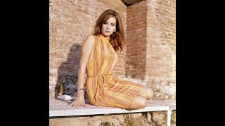 60 Stunning Photos of Actress Claudine Auger in the 1960s