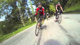 Overtaking Cadel on the hill ....